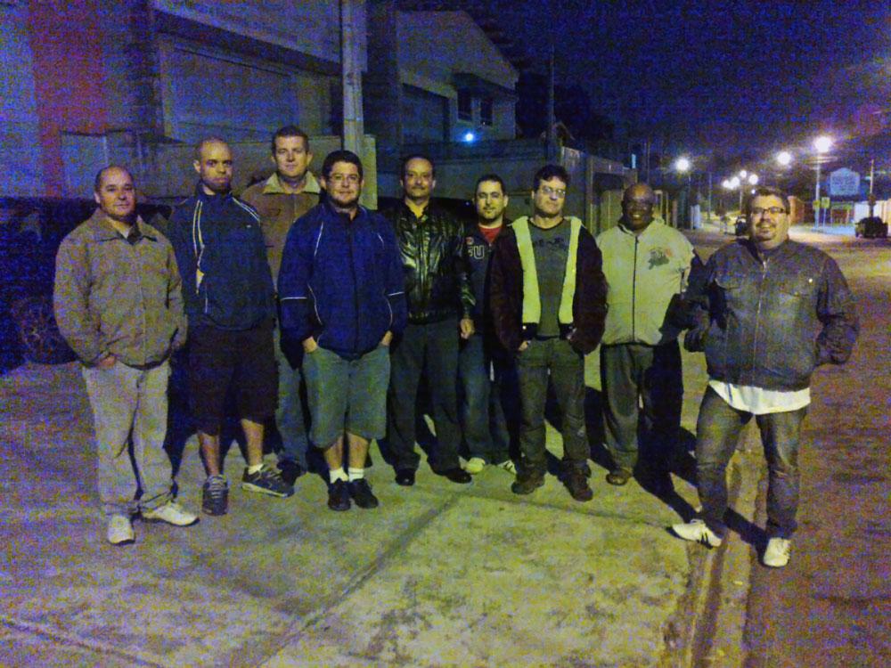 trabalhadores em greve no jornal da cidade